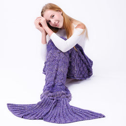 Scalloped Mermaid Tail Blanket (Purple)