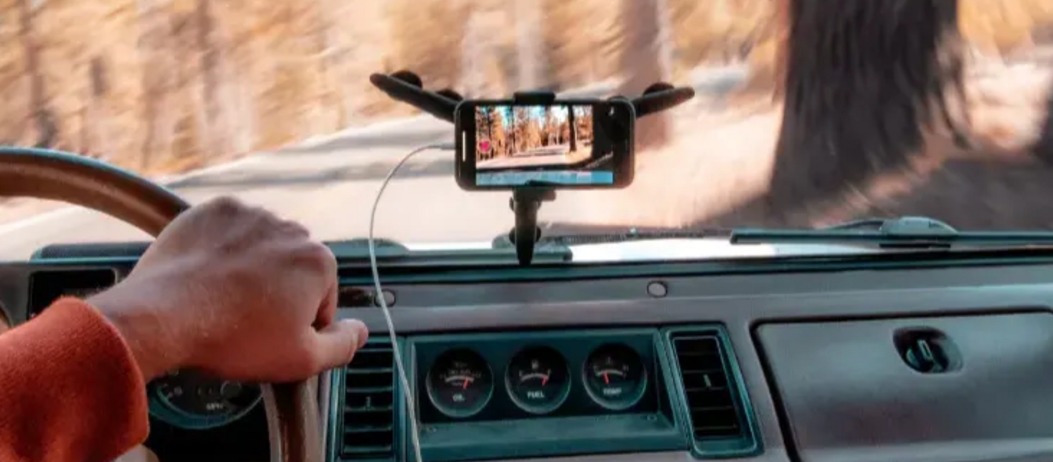 Safety First! 3 Genius Ways to Dashboard Mount Your Smartphone