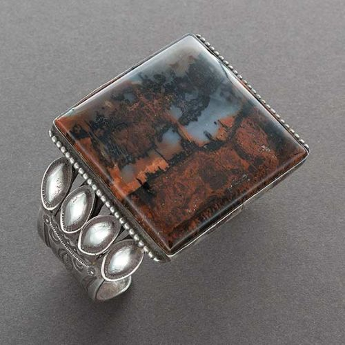 Vintage Navajo Bracelet of Silver With Large Square Agate Stone