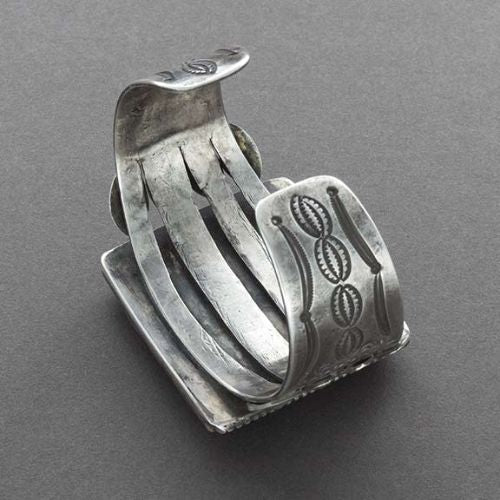 Vintage Navajo Bracelet of Silver With Large Square Agate Stone Reverse
