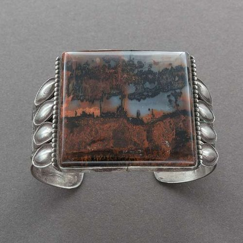 Vintage Navajo Bracelet of Silver With Large Square Agate Stone Front
