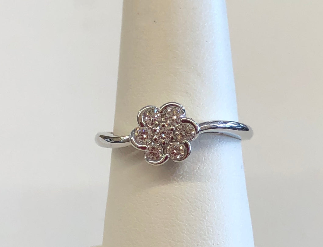14k White Gold 1/4 Carat Swirl Ring