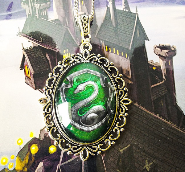 Hogwarts House Crest Large Necklace (Slytherin, Ravenclaw, Gryffindor, Hufflepuff) - Belle Regalia - 2