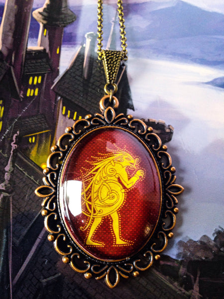 Pukwudgie necklace - Ilvermorny