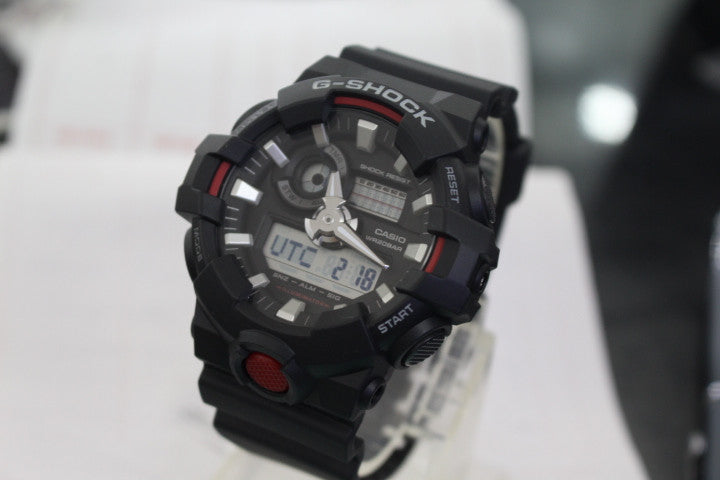 CASIO G-SHOCK ANALOG/ DIGITAL MEN BLACK/ RED GA-700-1ADR
