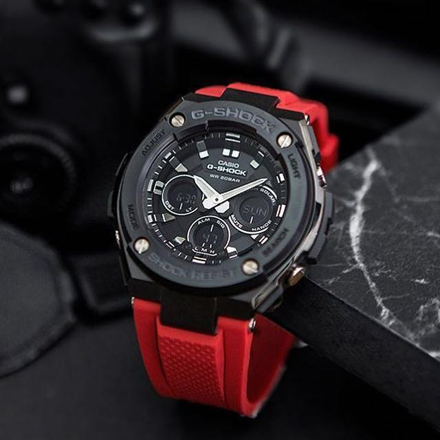 G-STEEL MEN RED WATCH GST-S300G-1A4DR