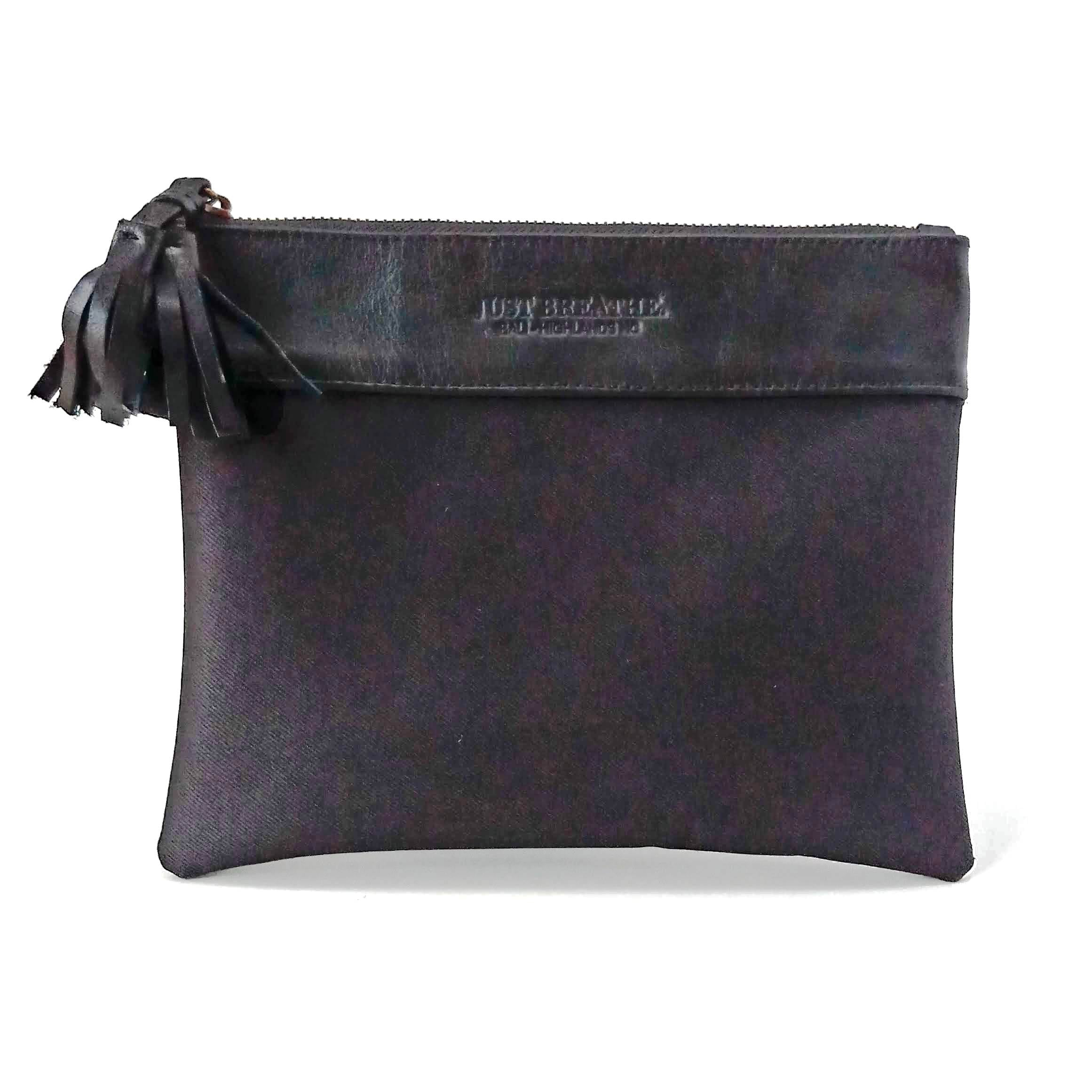 The Pouch ~ Black