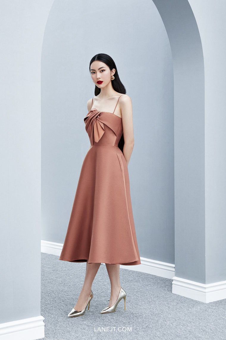 MACEDON Oversized Bow Midi Dress