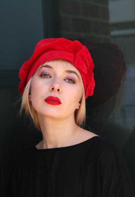 1940s inspired red velvet beret by Anna Chocola