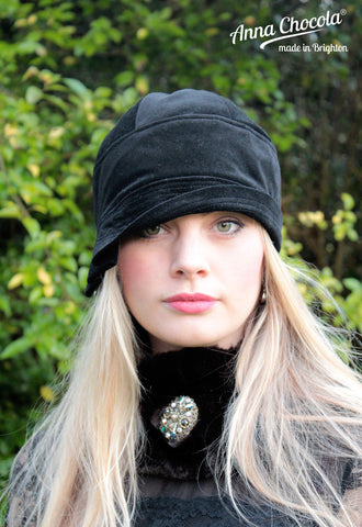 "Black Velvet ""Inès"" Cloche Hat"