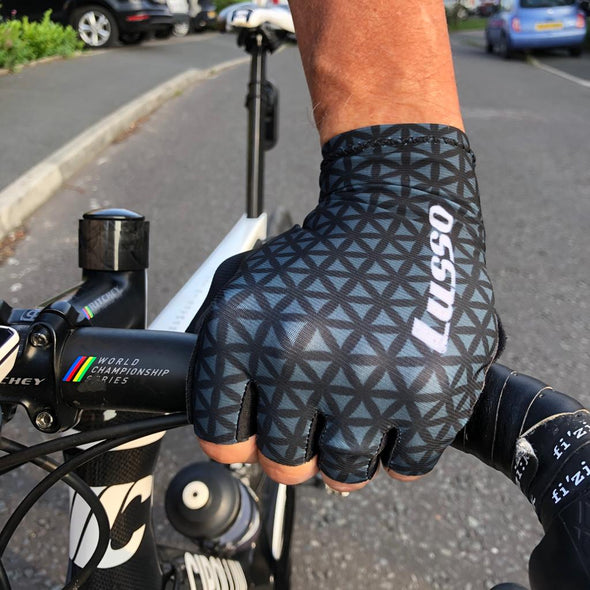 Momentum Summer Glove Grey/Black - Lusso Cycle Wear