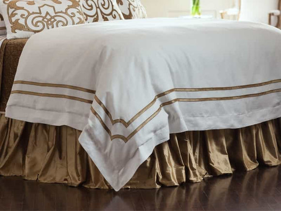 White Linen with a Straw Velvet Double Border Duvet