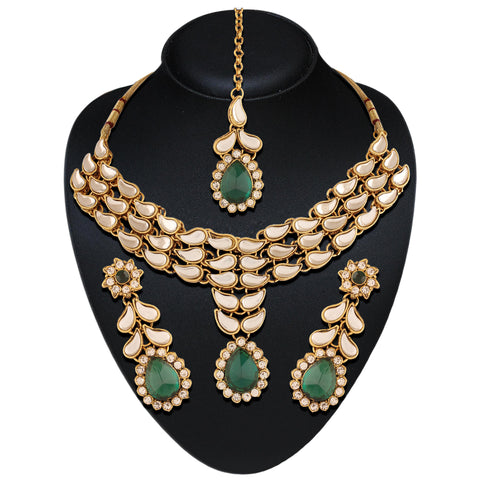 Wonderful Off White & Green Color Necklaces