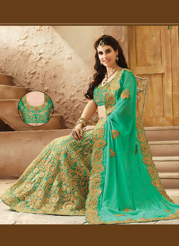 Incredible Embroidered Pallu Saree in Emerald Color