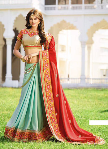 Exquisite Embroidered Pallu Saree in Red