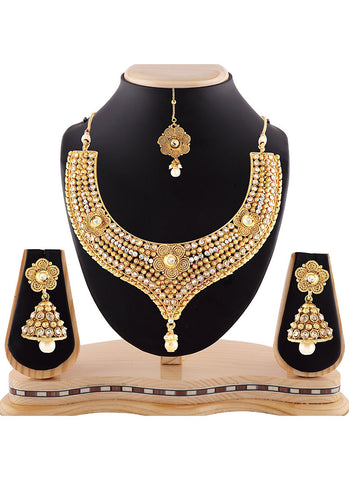 Beautiful Precious Jewellery Necklaces For Women's In Gold