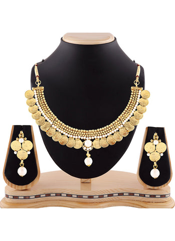 Lovely Gold Precious Jewellery Necklaces