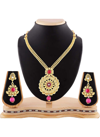 Creative Precious Jewellery Necklaces For Women's In Red & Gold Color
