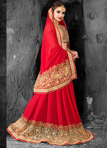 Lovely Embroidered Pallu Saree in Deep Scarlet