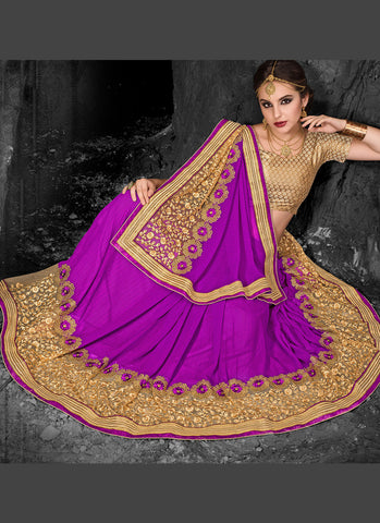 Appealing Embroidered Pallu Saree in Fuchsia Color