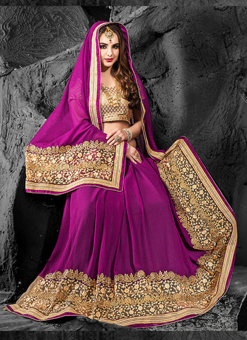Appealing Embroidered Pallu Saree in Magenta Color