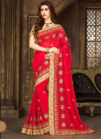 Incredible Embroidered Pallu Saree in Deep Scarlet