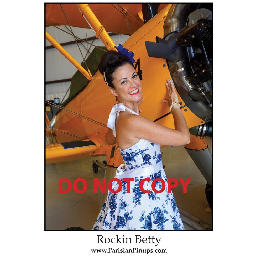 Signed 8x10 photo of Parisian Pinup- Rockin Betty