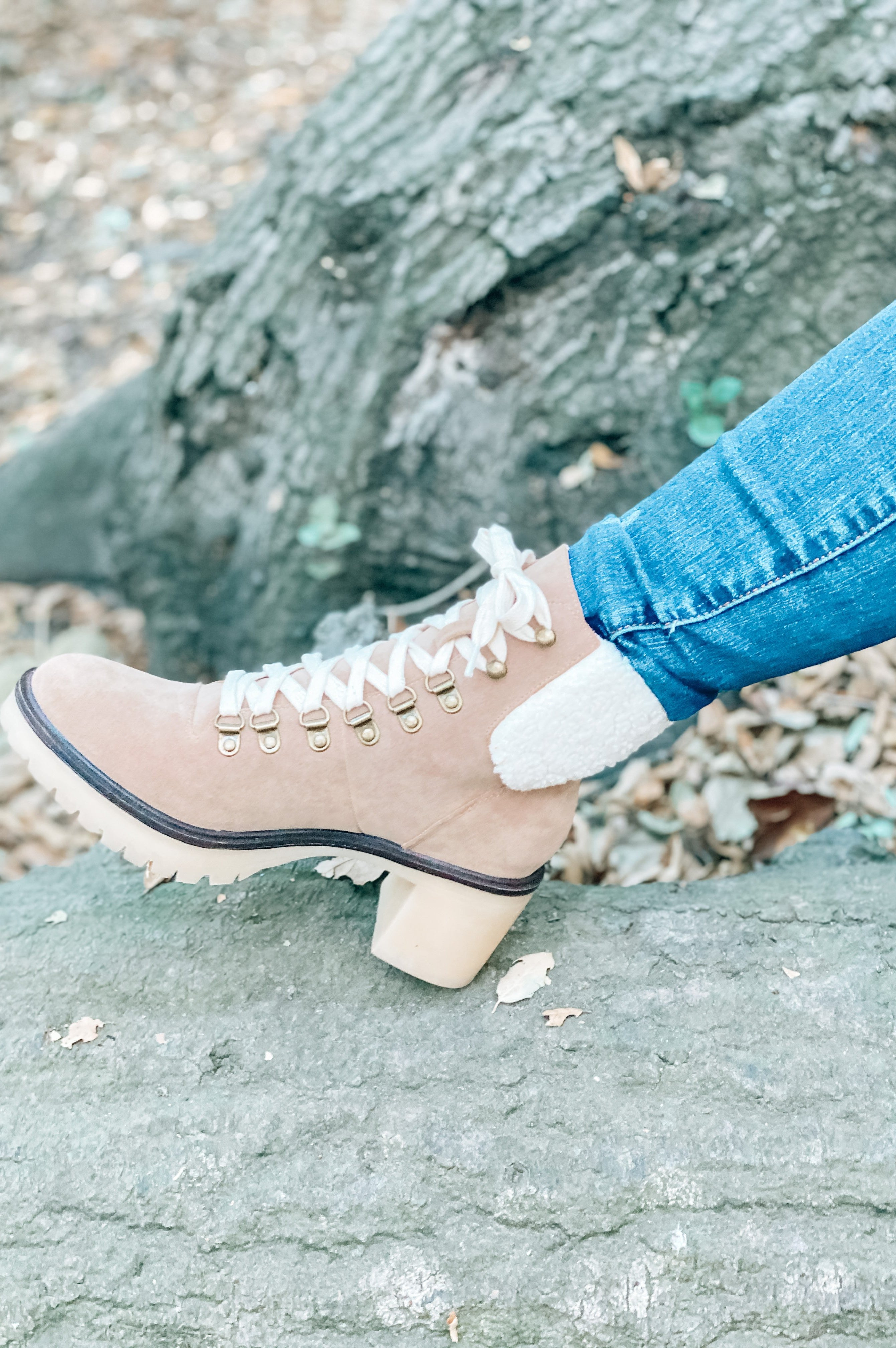 Monroe Combat Booties Khaki With Sherpa