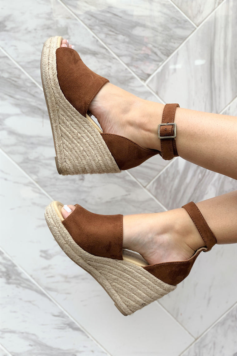Walking on Sunshine Wedge Chestnut