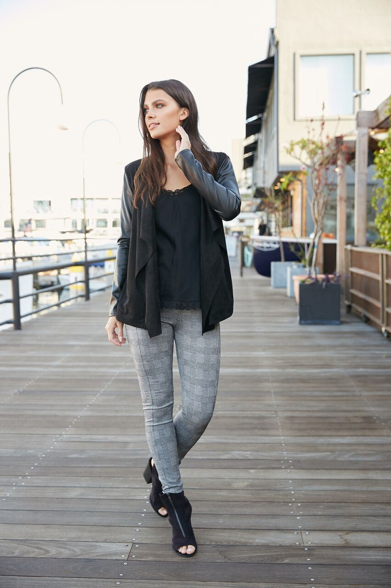 Sleek + Chic Black & White Hounds Tooth Plaid Leggings