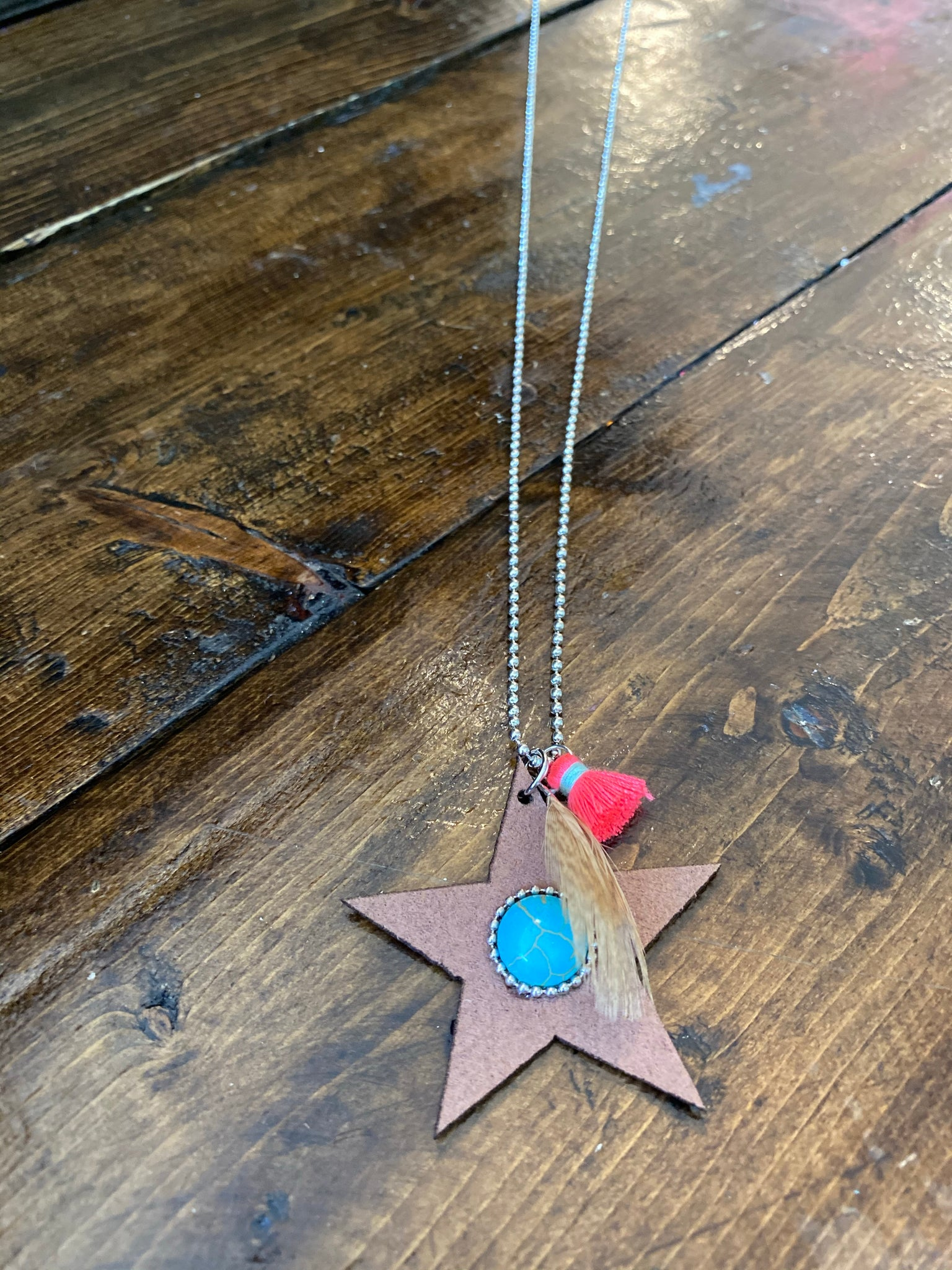 Leather star necklace 135