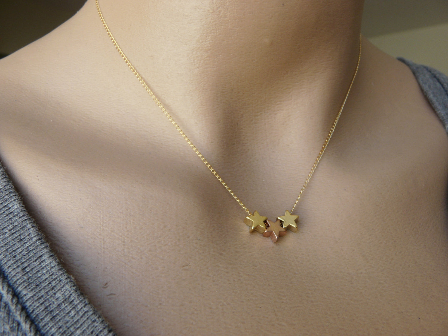 Tiny stars necklace - OpaLandJewelry