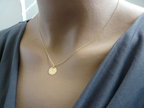 Simple Tiny disc necklace - OpaLandJewelry