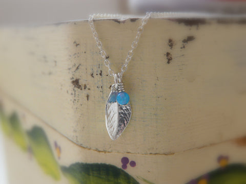 Sterling silver leaf Opal necklace - OpaLandJewelry
