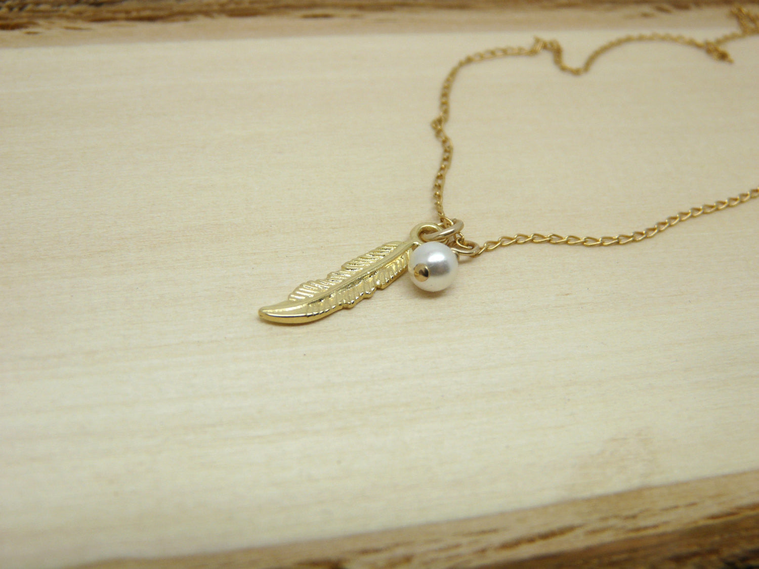 Feather necklace with Pearl - OpaLandJewelry