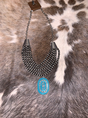 The Marina oval necklace blue