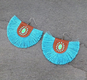 Real tassel earrings with leather squash