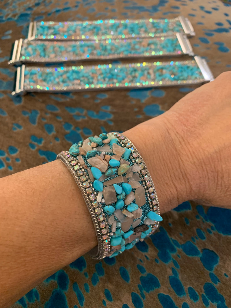 Turquoise chip magnetic bracelet