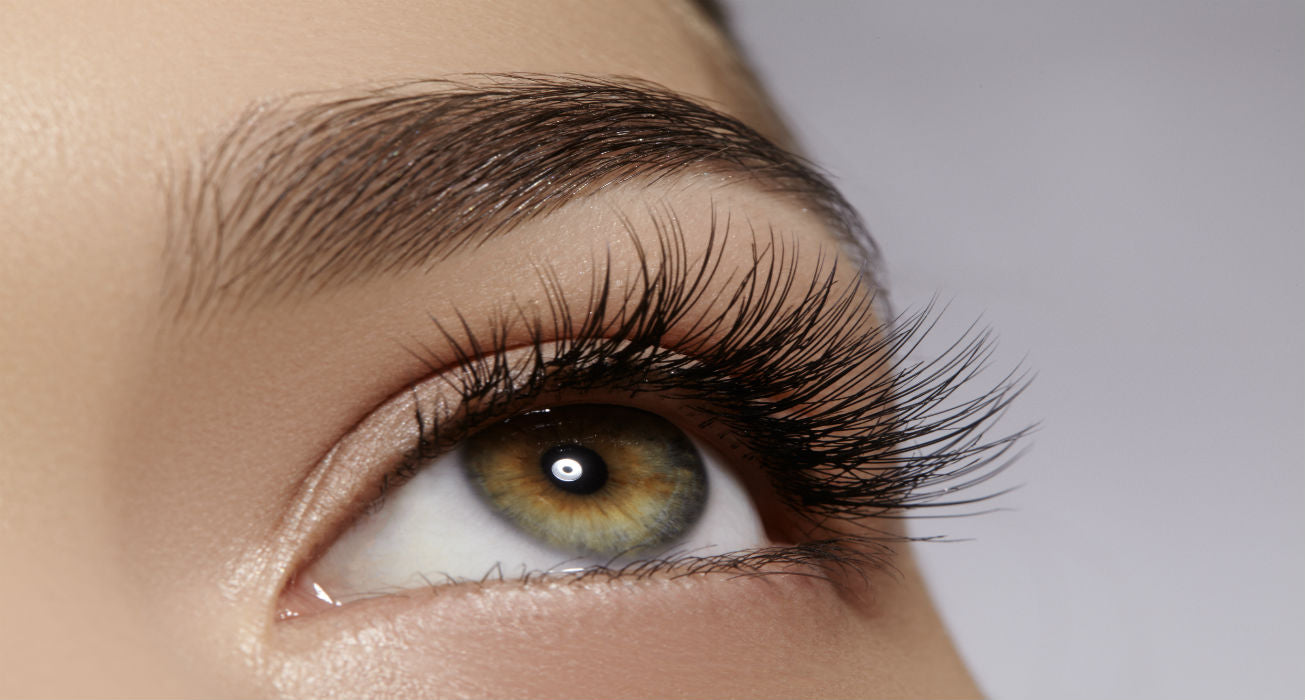 How to grow longer, thicker eyelashes fast