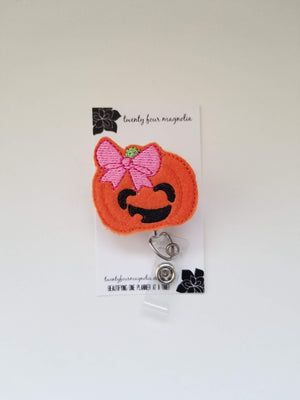 Pumpkin Badge Reel - love tan co.