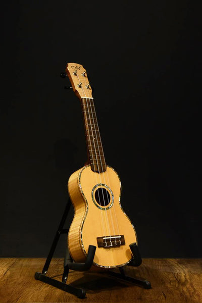 US-35 Spruce with Flamed Maple