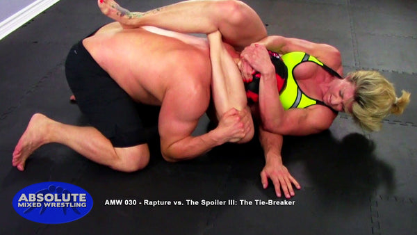 Rapture vs The Spoiler competitive apartment submission BJJ Absolute Mixed Wrestling triangle choke