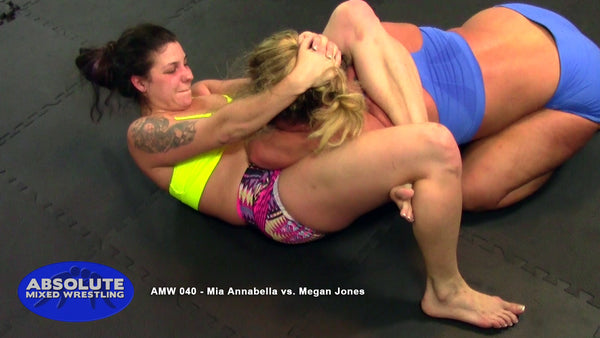 AMW040 - Mia Annabella vs. Megan Jones