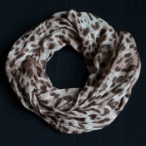 Classic brown scarf design