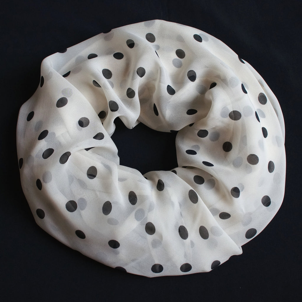 Cream colored scarf with black dots (9206)