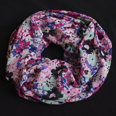 Beautiful multicolored flower scarf (9207)