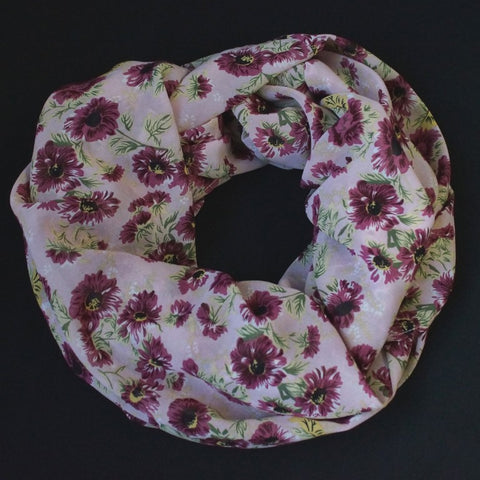 Scarf with bold dusky pink flowers (9224)