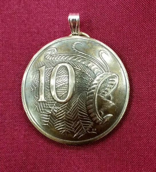 Australia Lyre bird 10 Cents Coin Domed Pendant Vintage Necklace Jewelry Charm - Silver Heron Studios - 2
