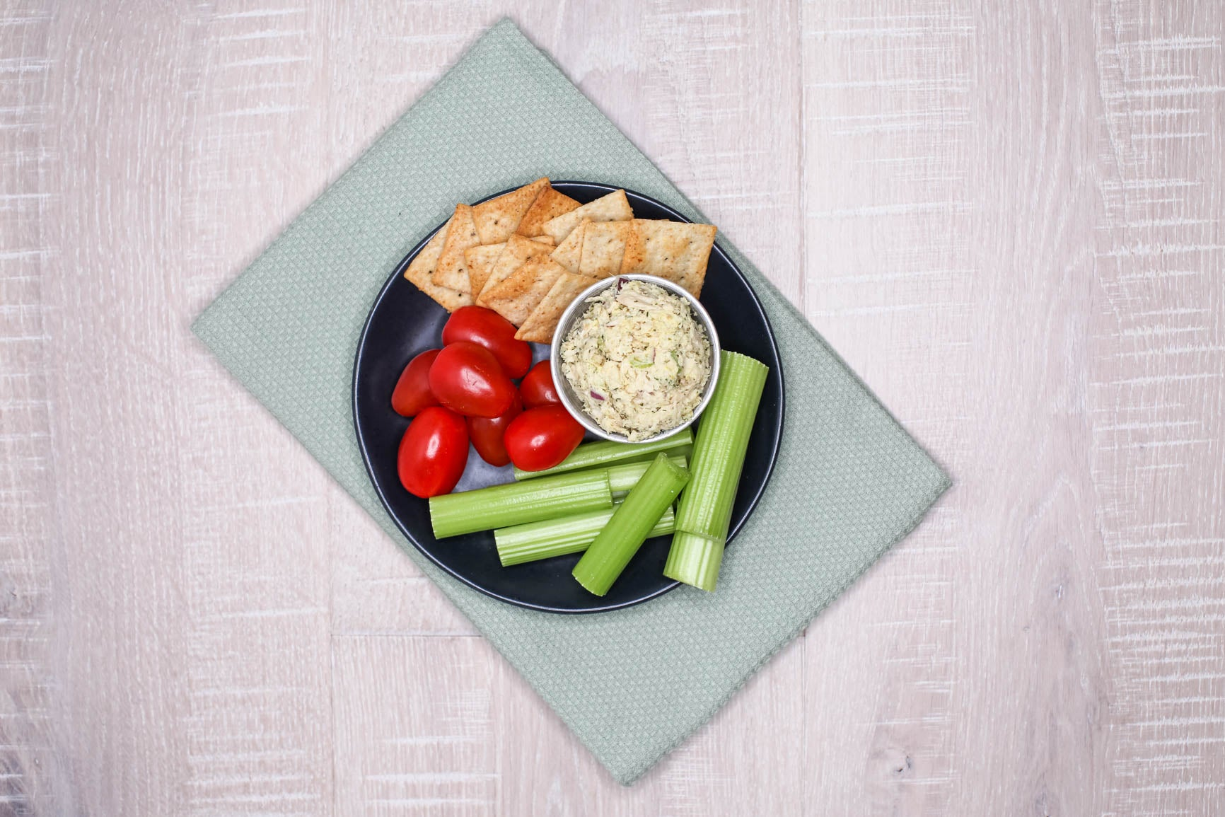Snack Box - Tuna Salad, Veggies & GF Crackers
