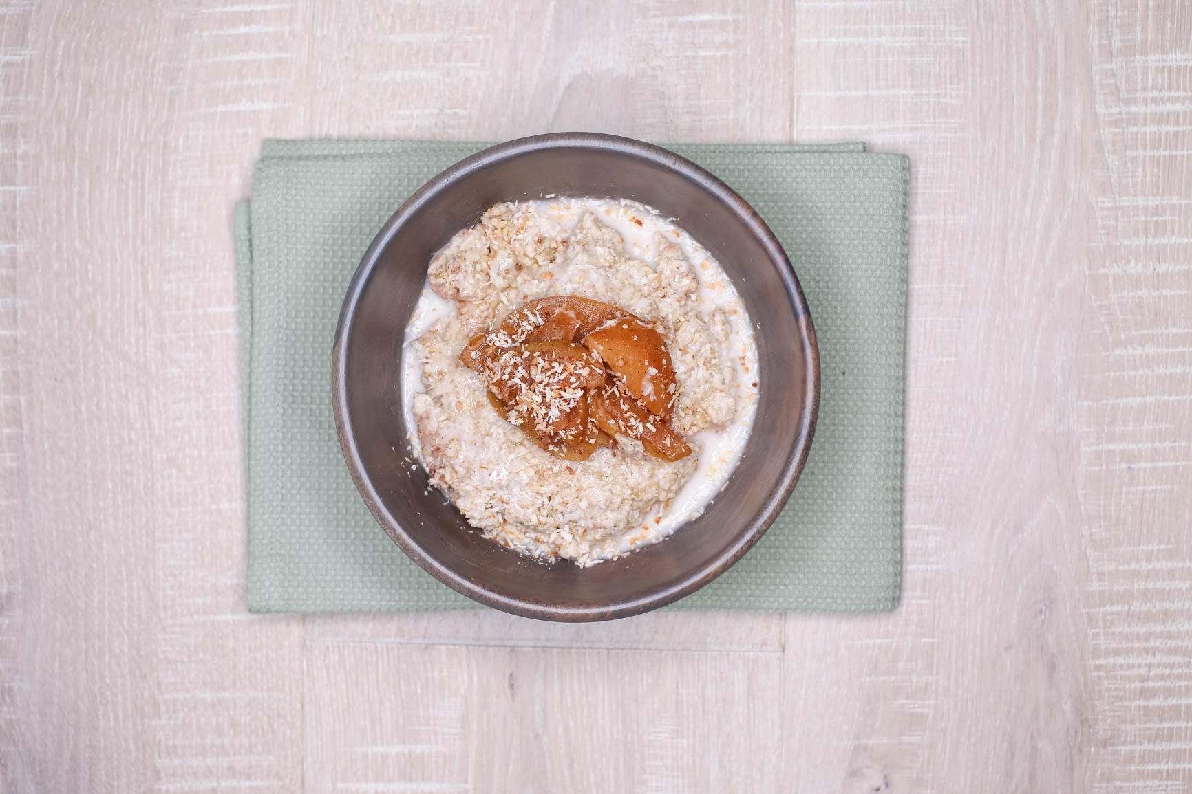 Oatmeal w/ Amaranth, Coconut & Maple Sauteed Peaches